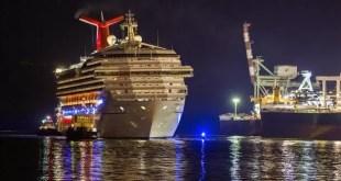 Otro crucero de Carnival varado en el medio del mar