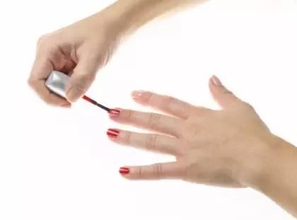 Cómo rejuvenecer tus manos y evitar los daños del frío