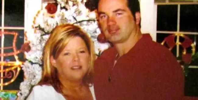 Asesinó a su esposa para aparecer en Facebook