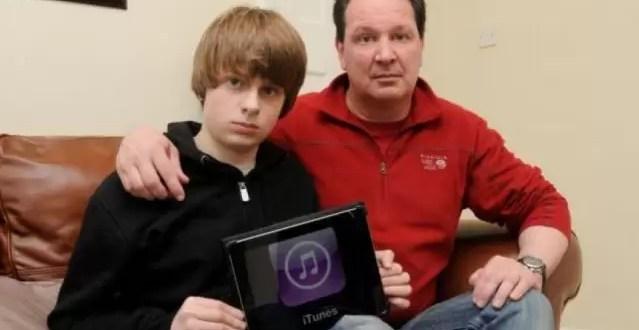 Denuncia a su hijo por gastar 5 mil dólares en el iPad