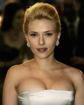 Fotos: Scarlett Johansson ¿Se sacó lolas?