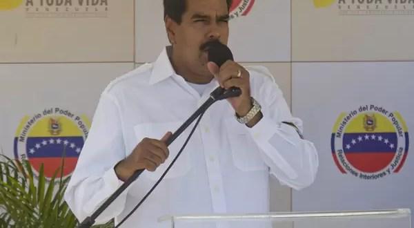 Video: Nicolás Maduro echó a un simpatizante de un acto