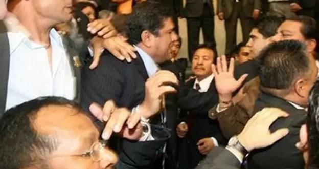 Video: Oficialistas y opositores venezolanos a las piñas en el parlamento