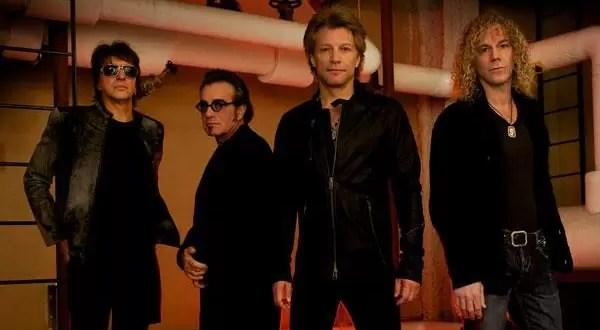 Video: Pide matrimonio a su novia con ayuda de Bon Jovi