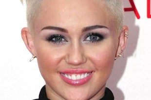 Miley Cyrus da empleo a una fan