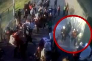 Video: momento que policía asesina a hincha de Lanús
