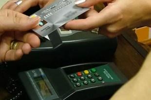 Nuevas medidas para frenar las compras en dólares