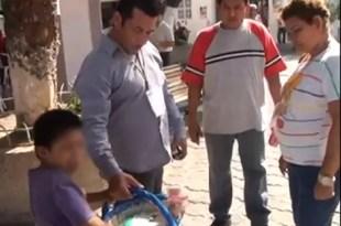 Video: funcionario mexicano humilla un niño huérfano