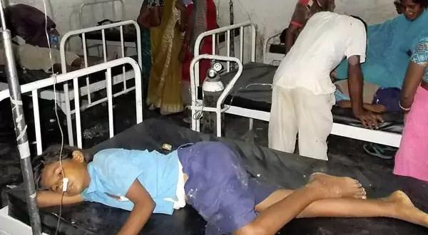 21 niños muertos en India por consumir alimentos envenenados