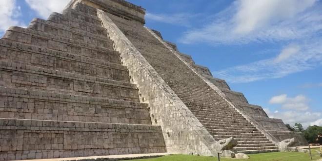 Xcaret: los mejores tours arqueológicos y la mejor diversión
