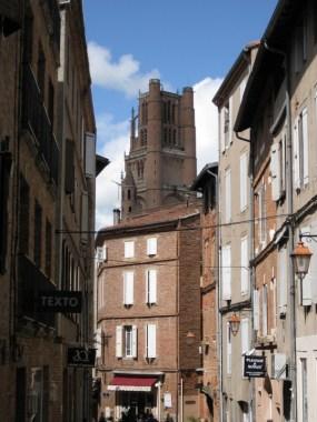 Albi e il campanile di Santa Cecilia