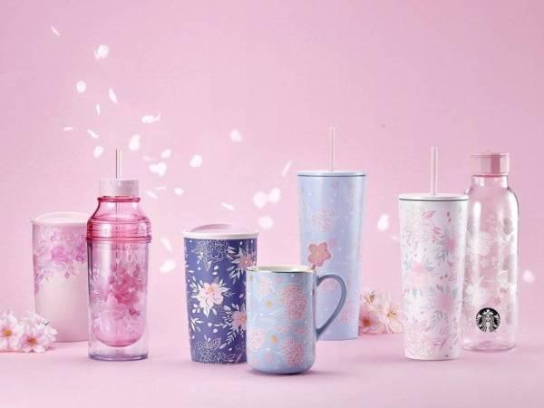 Barangan merchandise sempena koleksi musim bunga sakura.