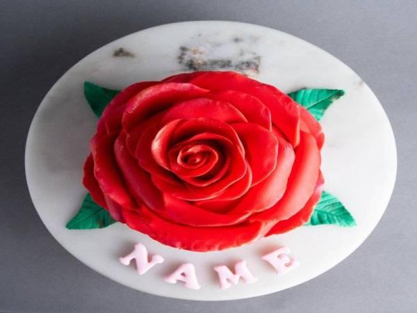 Ring 'O' Roses Cake