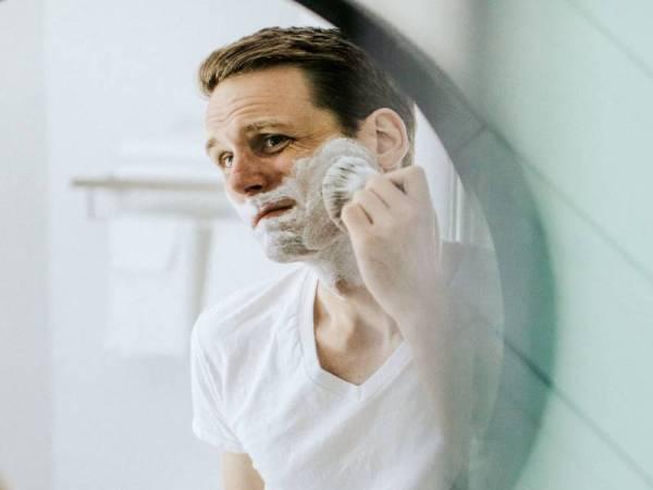 PEMILIHAN krim atau gel sebelum bercukur amat penting bagi mengelakkan berlakunya iritasi pada kulit.
