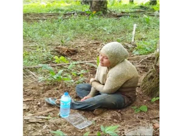 Hanis dalam keadaan kelaparan serta badan lemah dan kesejukan kerana berada di dalam sungai selepas hampir seminggu hilang.