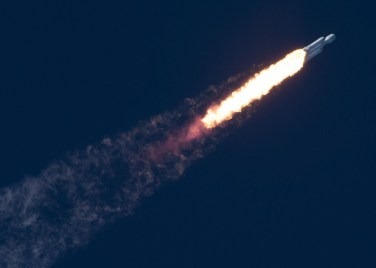 Falcon_Heavy_Leaving_Atmosphere_Flickr.jpg