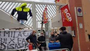 Read more about the article Da oltre una settimana sono chiusi in assemblea sindacale presso lo spazio rimozione in viale Monastir a Cagliari.