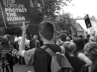 Protestors outside the Oxford Union, while Pervez Musharraf was inside