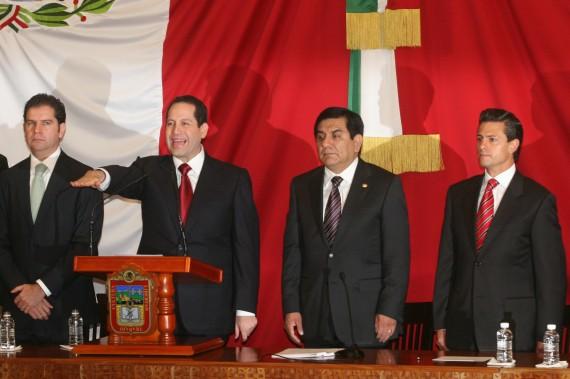 Óscar Sánchez Juárez junto al Gobernador del Estado de México, Eruviel Ávila Villegas, Foto: Cuartoscuro