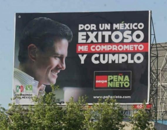 """Durante la campaña presidencia, Enrique Peña Nieto promovió la frase: """"Te lo firmo y te lo cumplo"""". Foto: Especial"""