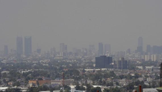 21 de marzo de 2014. La Comisión Ambiental Metropolitana no levantó la fase de precontingencia declarada un día antes por ozono en el Valle de México. Foto: Cuartoscuro