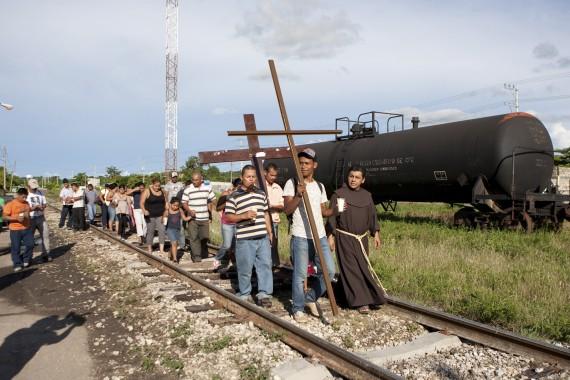 Manifestación de migrantes en Tenosique, Tabasaco Foto: Cuartoscuro