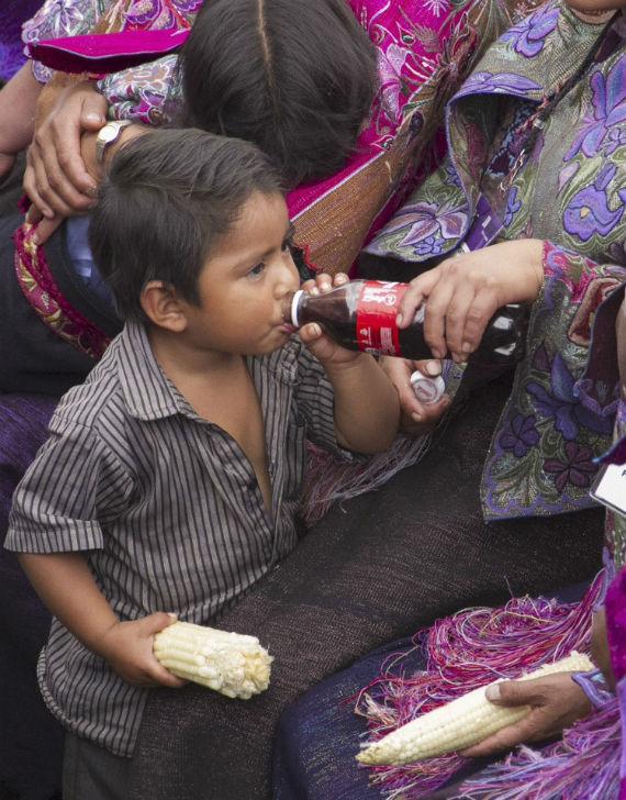El maíz importado así como la Coca-Cola podrían ser trasngénicos, según organizaciones. Foto: Cuartoscuro.