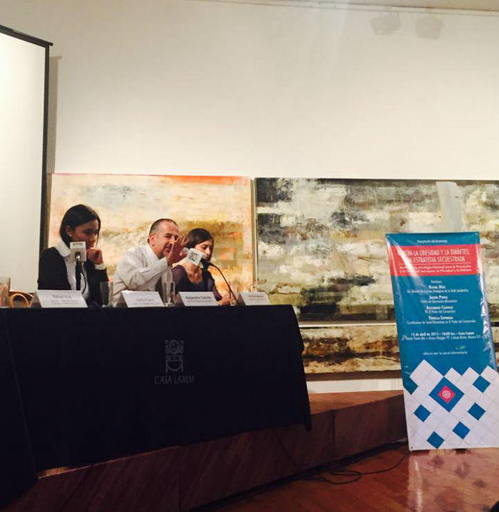 Fiorella Espinosa, Alejandro Calvillo y Julieta Ponce, durante la presentación del documento. Foto: SinEmbargo