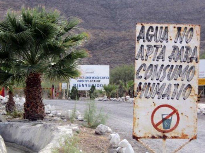 En La Sierrita, Durango, la mina La Platosa desperdicia y contamina el agua. Foto: prodesc.org