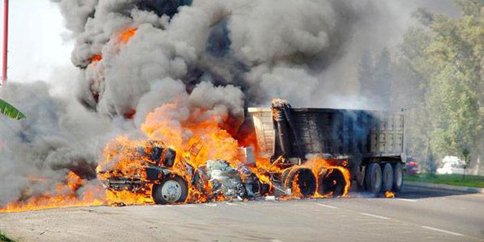 El viernes y sábado pasado se registraron bloqueos, quema de vehículos y enfrentamientos en la entidad. Foto: Twitter.