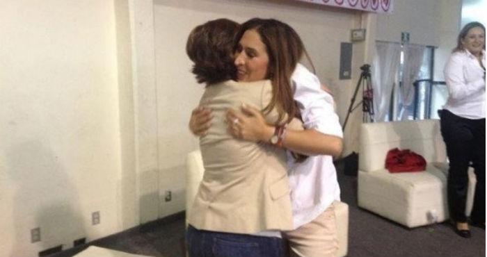 Mariana Moguel y Rosario Robles. Foto: Twitter @MarmoguelR