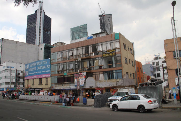 Los comercios que funcionan actualmente quedarán en la parte de abajo del Corredor Cultural. Foto: Luis Barrón, SinEmbargo