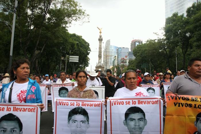 La movilización partió del Ángel de la Independencia. Foto: Francisco Cañedo, SinEmbargo