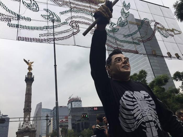 2015. Marcha del aniversario de la desaparición de los normalistas.Foto: SinEmbargo