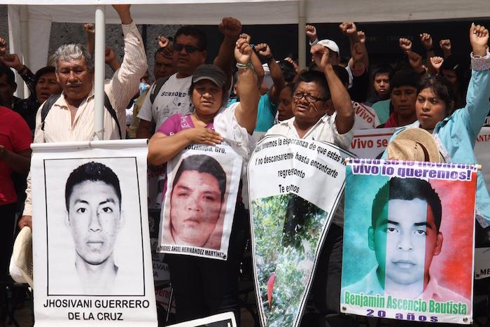 """El """"contra informe"""" también reivindicó los puntos programáticos de la Convención Nacional Popular. Foto: Luis Barrón, SinEmbargo."""
