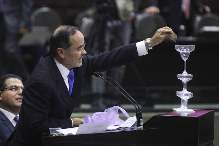 Gustavo Madero, Diputado del PAN, durante la sesión del día de hoy. Foto: Cuartoscuro