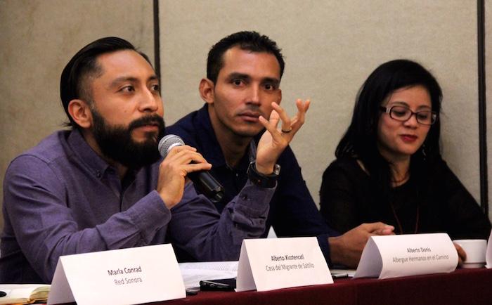 Nueve organizaciones presentaron el informe sobre los derechos humanos de los migrantes.  Foto: Luis Barrón, SinEmbargo