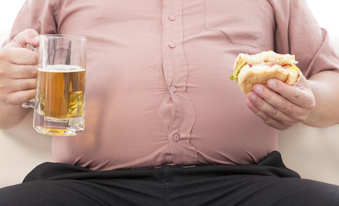 Estilos de vida poco saludable son detonadores de las principales causas de muerte en nuestro país. Foto: Shutterstock