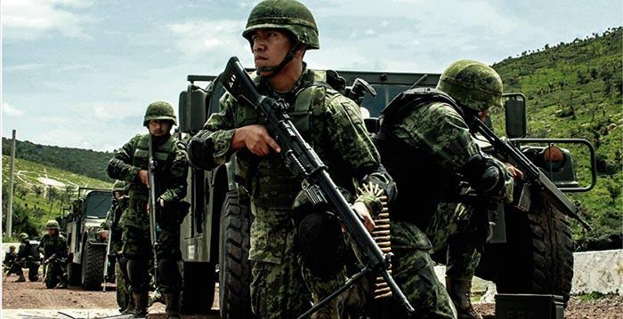 Soldados mexicanos en un operativo portando el G-3 de Heckler and Koch. Imagen tomada de la revista electrónica La Gran Fuerza de México editada por la Secretaría de la Defensa Nacional