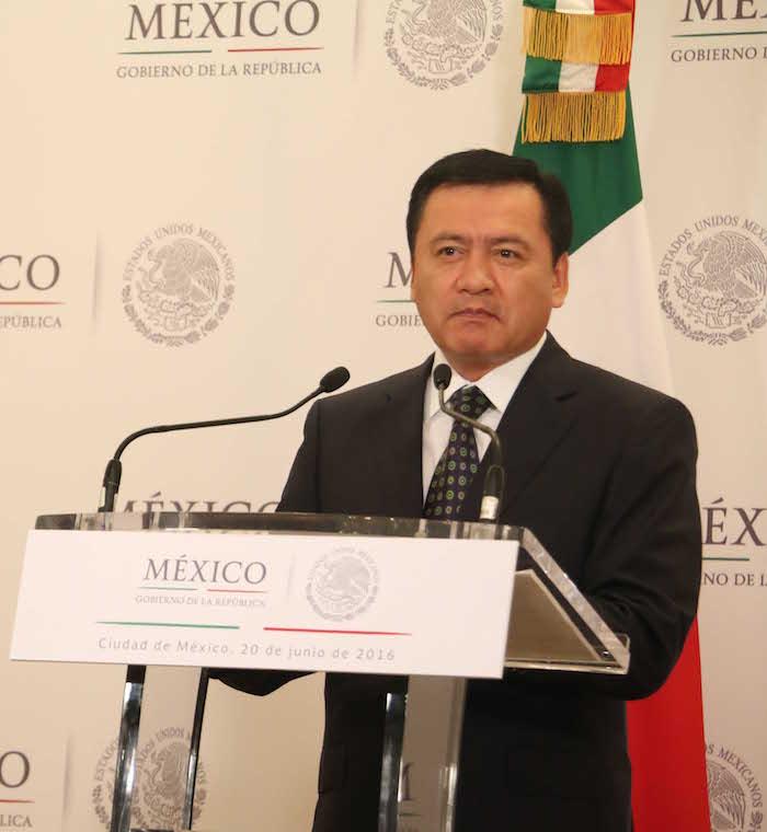 Diversos cárteles han aparecido durante el presente Gobierno. En la foto el Secretario Gobernación Miguel Ángel Osorio Chong. Foto: Saúl López, Cuartoscuro