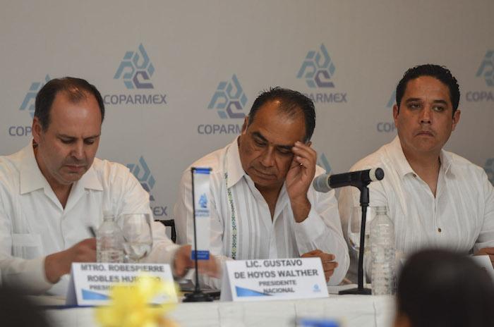 El Gobernador de Guerrero, Héctor Astudillo, en una reunión con integrantes de la Coparmex Acapulco. Foto: Cuartoscuro/Archivo.