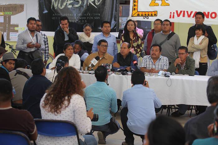 En conferencia de presa, los habitantes de Nochixtlán y maestros dijeron que solicitarán la presencia de la CIDH ante la desconfinza que tiene a las autoridades mexicanas. Foto: Cuartoscuro