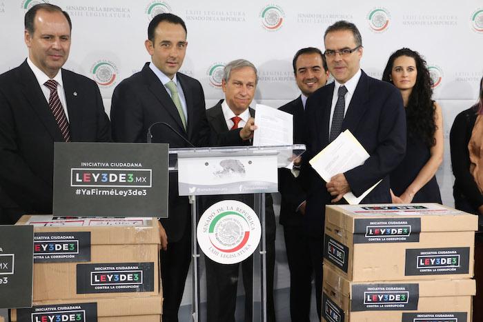 """La iniciativa ciudadana """"3 de 3"""" juntó más de 634 mil firmas. Foto: Cuartoscuro"""