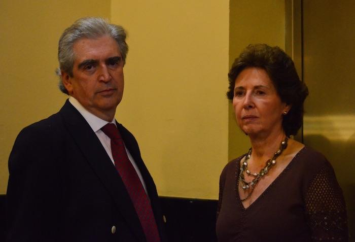 El ex Secretario de Cultura Rafel Tovar y de Teresa, quien falleció el 10 de diciembre de 2016, y su sucesora, María Cristina García Cepeda. Foto: Cuartoscuro