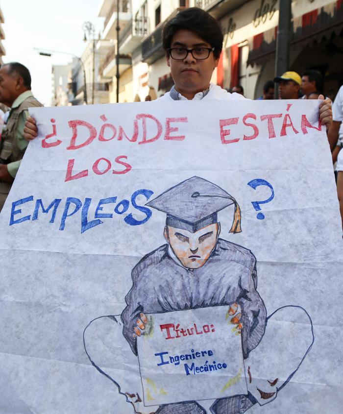 Marcha de desempleados en Veracruz, mayo de 2016. Foto: Cuartoscuro