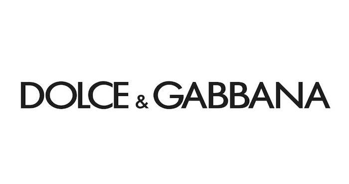 dg - Versace se disculpa con China por la venta de una camiseta donde nombró a ciudades como países