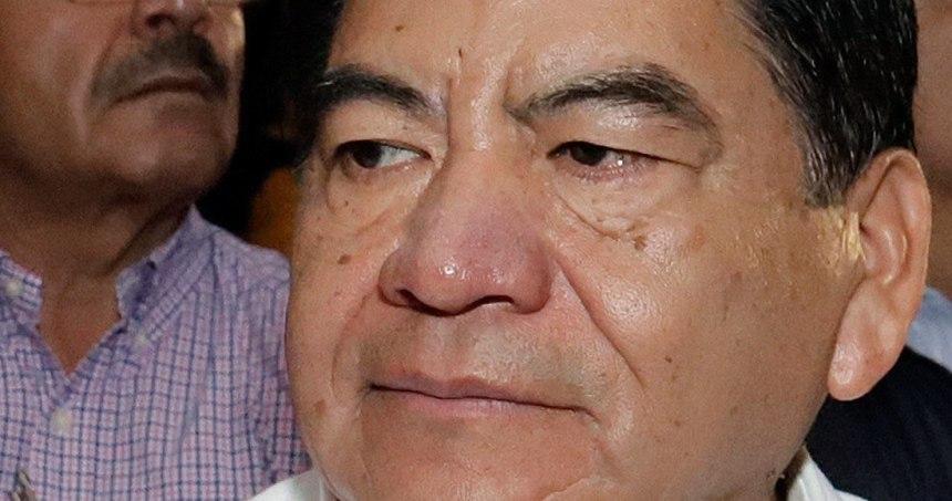 photo5621052266006030260 - ¿Mario Marín, prófugo de la PGR e Interpol, en la fiesta? Reportan que sí: carne asada, música de banda