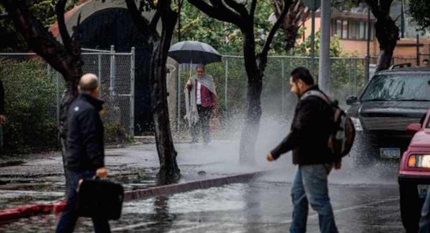 lluvias 26 - Si vives en la CdMx no guardes el paraguas: se prevén lluvias y cielo nublado para este sábado