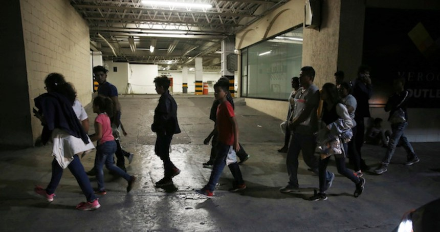 migrantes abandonados mexico - El Presidente de Honduras viajará a México para reunirse con López Obrador y hablar sobre migración