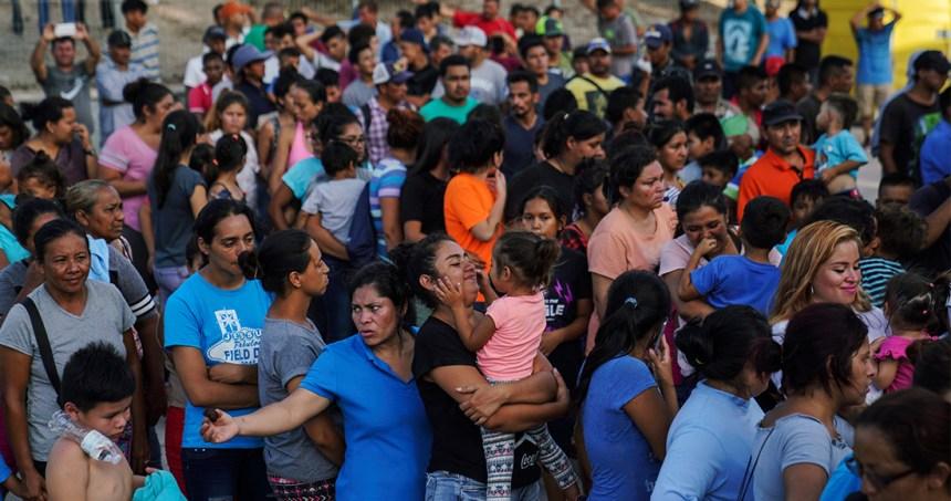 """ap - Policías de Ciudad Juárez extorcionan a migrantes cubanos a cambio de no """"deportarlos o matarlos"""""""
